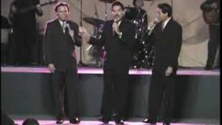 Como Un Flor   Los Hermanos Reyes 32 Años DVD