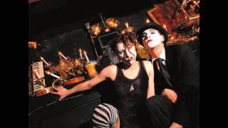 Lonesome Organist Rapes Page Turner - The Dresden Dolls - No, Virginia