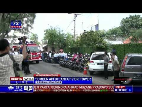 Kebakaran Landa Plaza BRI di Surabaya