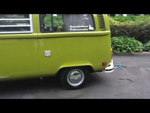 1977 VW Bus with Marker Flash Mod