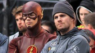 'The Flash' Cast Talk 'Arrow' Crossover & Future Film