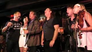 Barrett's Privateers/Molly Malone, Alan Doyle Trio w. Bruce Guthro, Damhnait Doyle, Stuart Cameron