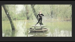 Christine and the Queens, Christine and the Queens -- Narcissus is back (alternate version)