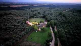 preview picture of video 'Agriturismo Il Torrino dei Gelsi - Riprese Aeree con Drone'