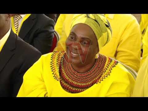 Museveni asabye ba mmemba ba NEC okuwagira eky'okusimba mu mugongo