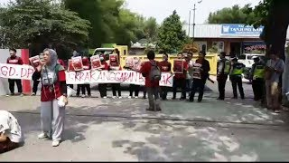 Mahasiswa Unjuk Rasa Pertanyakan Molornya Pembangunan Gedung DPRD Tangsel