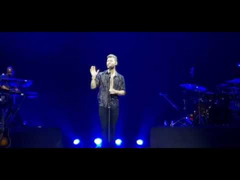 Dancing on my Own - Calum Scott live in Manila 2018 (видео)