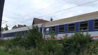 preview picture of video 'Korek na Zakopiance, a pociąg pędzi - Poronin'