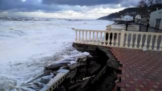 Лоо пляж .. уходит всё..3.12.2016