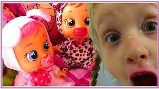 Les Poupee Cry Babies PRANK Alicia - Les Poupees Qui Pleurent