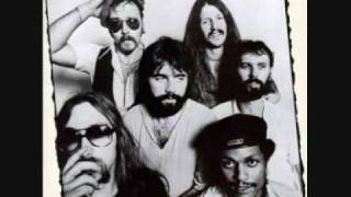 Doobie Brothers - Listen To The Music video
