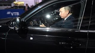 Путин прокатил на «Аурус» Президента Египта