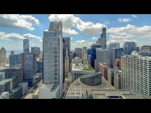 A city-view -11 one-bedroom at the Loop's lavish OneEleven tower