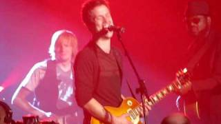 "Jonny Lang, Tommy Sims, & Phil Keaggy - ""When Love Comes to Town"""