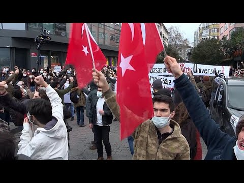 Τουρκία: Διαδηλώσεις φοιτητών κατά του διορισμού πρύτανη πανεπιστημίου από τον Ερντογάν…