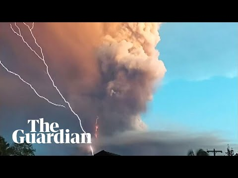 Lightning and ash: timelapse footage shows Taal volcano eruption