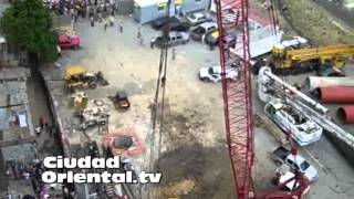 preview picture of video 'Se desploma estructura de metal puente del Metro de Santo Domingo'