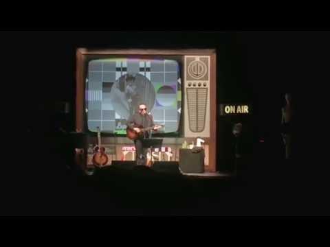 , title : 'Elvis Costello - I Can't Turn It Off (Padova, Gran Teatro Geox, 25/05/2016)'
