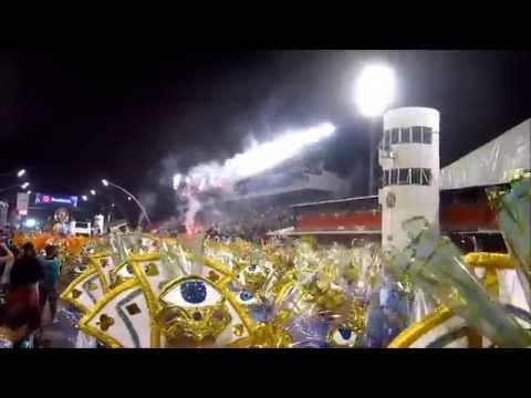 Veja a festa da Fiel durante o desfile da Gaviões no Anhembi