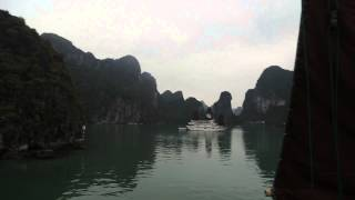 preview picture of video 'Vietnam - Ha Long Bay - Bhaya Classic Cruise - MVI 7136'
