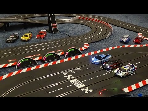 Carrera Digital 1:32 - Fly Over Race Circuit - 10 Lap Race