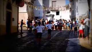 preview picture of video 'Munilla. Inicio de Fiestas: Chupinazo y Batalla de Agua'