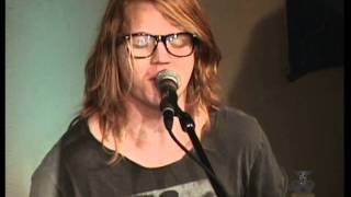 "Aaron Gillespie sings ""We Were Made For You """