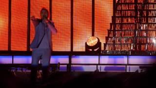 Thomas Di Leva sjunger: Life on Mars