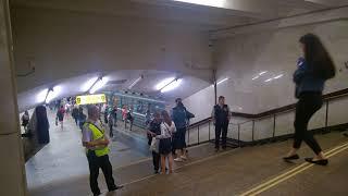 Засада контролёров в метро.
