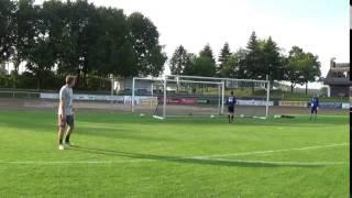 Seitlicher Querpaß rechts Heber zum Tor U19
