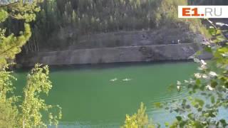Люди купаются в Старой Линзе