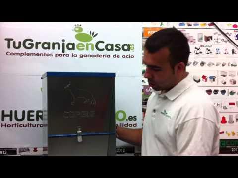 Tolva de chapa + Bebedero Acuacan para perros | TuGranjaenCasa.es