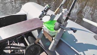 Крепление для удочек в лодке