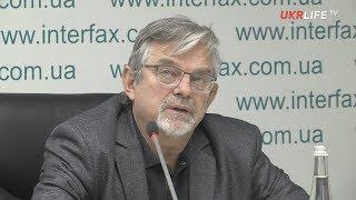 Небоженко: Президент уверен, что будет контролировать военное положение, - а я нет