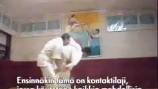 """Джохар Дудаев за тренировкой рассказывает о стиле карате """"Кёкусин"""". Грозный г.1992."""
