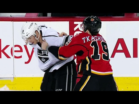Tkachuk finally settles beef, McNabb drops him with uppercut