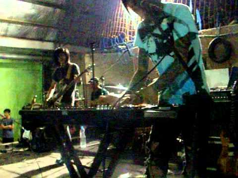 LAST KISS FROM AVELIN - sesak dalam gelap feat dyan REFLECTION (LIVE).MOV