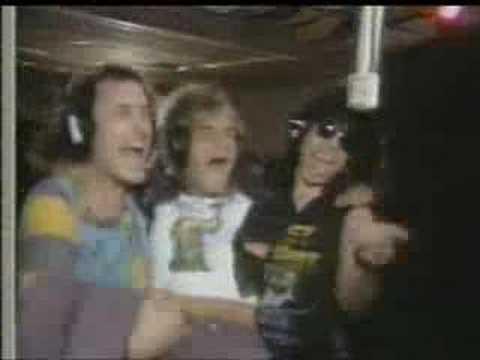 Música (We Were) Born To Rock