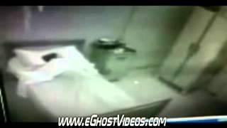 Смотреть онлайн Призрак в больнице возле ребенка