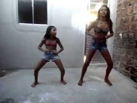 mc praga do brega e dj alicia dançando bonde das maravilhas