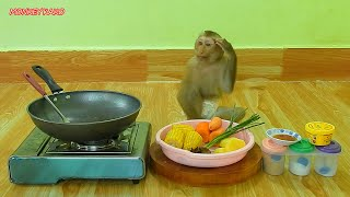 Master Chef Assistant Monkey Kako Cooking Stir Fried Corn With Vegetable Recipe