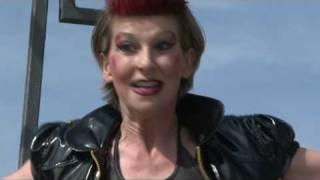 Alexia Basile opernevents,Punk vor Schloss Karlsruhe