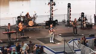 Daughtry - Performs Crawling Back to You (Live) - Sea World 2018