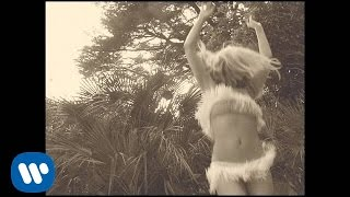 Black and White - Kylie Minogue feat. Garibay, Shaggy (Video)