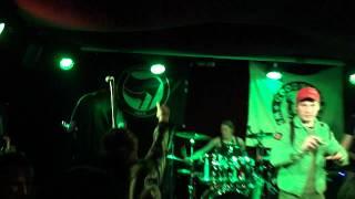 Video Na Smiech - Krváca Svet ( Live Klub 77 ) (HD)