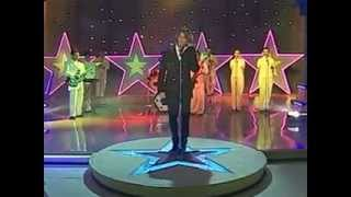 A Medio Vivir - Ricky Martin (Video)