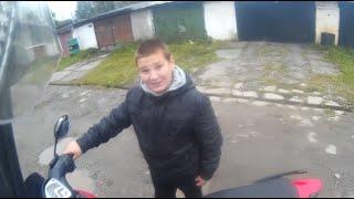 Реакция ребенка на мотоцикл! прокатил детей на мотоцикле.( Пацан рад)