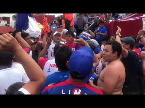 """""""La locura Chicago los de siempre"""" Barra: La Banda del Basurero • Club: Deportivo Municipal"""