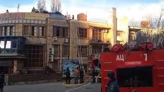 В Махачкале горит крыша грузинского ресторана
