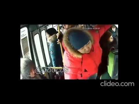 """""""Ты как людей-то возишь?"""", - парень ударил водителя автобуса в Якутске (видео)"""
